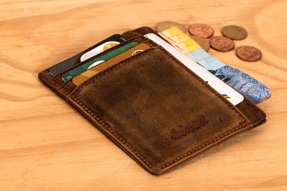 Economiser en voyage grâce à votre carte bancaire